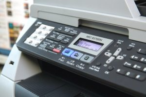 5816394469 2f7545ea04 b 300x200 - 4 เคล็ดลับยอดฮิต ในการเลือกอุปกรณ์เครื่องใช้ในสำนักงาน